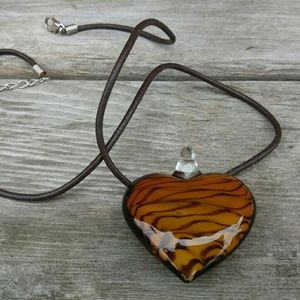 Jewelry - Beautiful Brown Art Glass Heart Necklace